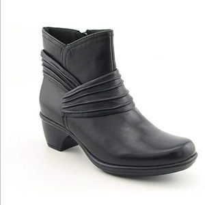Clarks Bendables Ruched Black Leather Ankle Boots